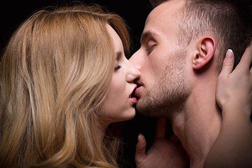 Cách hôn khiến chàng mê mệt say đắm
