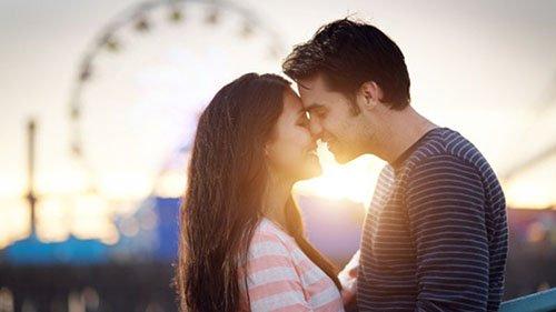 Dạy cách hôn môi lần đầu đơn giản cho người mới yêu